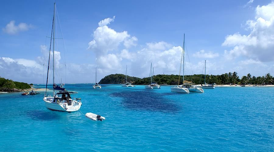 crociera in maxi catamarano alle isole grenadines